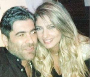 بالفيديو.. وائل كفوري يغني لزوجته في منزلهما