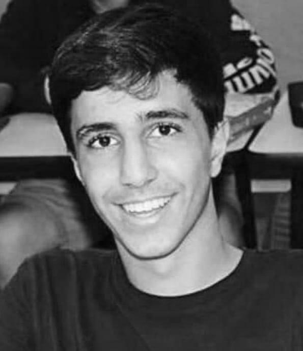 """بالصور و الفيديو  ..  مواقع التواصل """"تتشح"""" بالسواد حزنا على وفاة الطالب الأردني سند الربضي و رفاقه: ستبقى حياً في قلوبنا"""