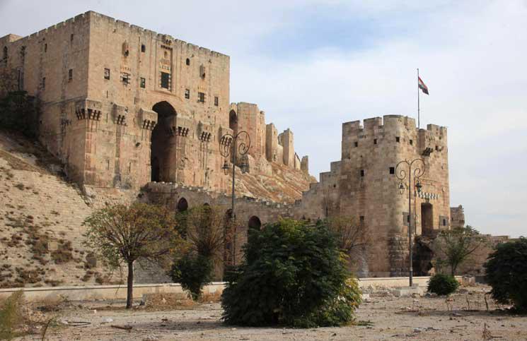 """معلومات عن """" قلعة حلب """" في اي عصر شيدت ومن بناها"""