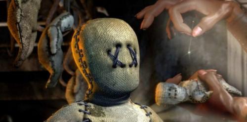 """مشهد مرعب: """"لعنة فودو"""" ..  رجل يتقيأ الحشرات في طقس سحري غريب"""