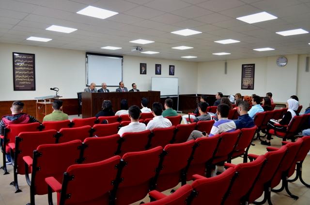 عميد كلية الحقوق بجامعة عمان الأهلية يلتقي طلبة الكلية المستجدين