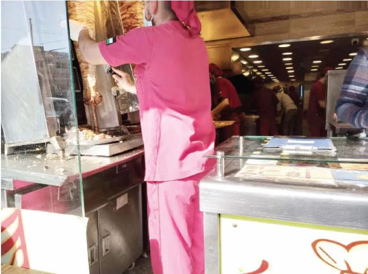 """""""كورونا"""" تتسبب بإغلاق 900 مطعم وتسريح 7 آلاف عامل في إقليم الشمال"""