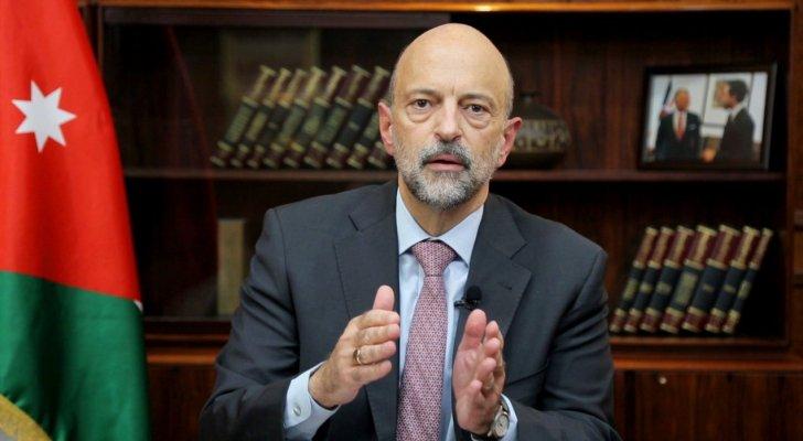 الرزاز: سنحاسب الوزراء والمسؤولين المخالفين لارتداء الكمامة