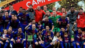 برشلونة يعزف مقطوعة العظمة ويتوج بطلاً لكأس الملك