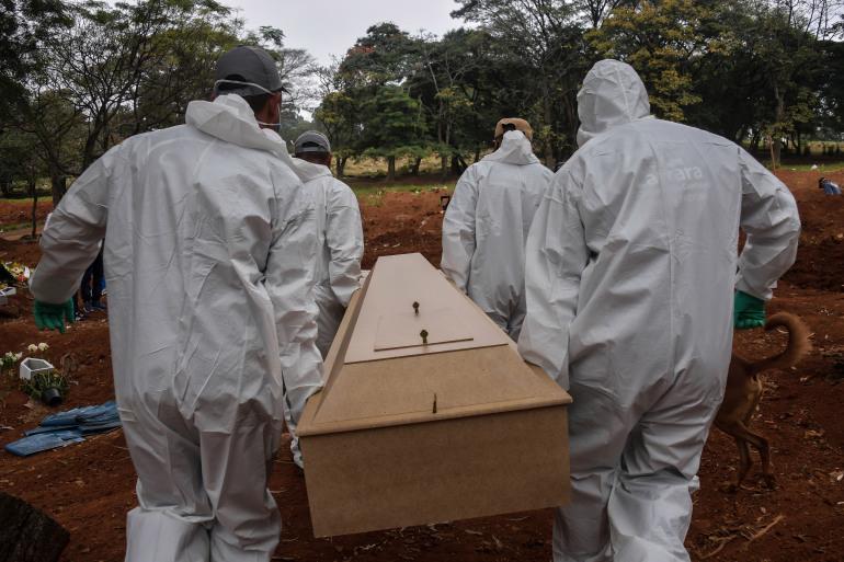 الوفيات الجديدة تتركز في 3 دول ..  فيروس كورونا ينسحب من قارة ويغزو أخرى