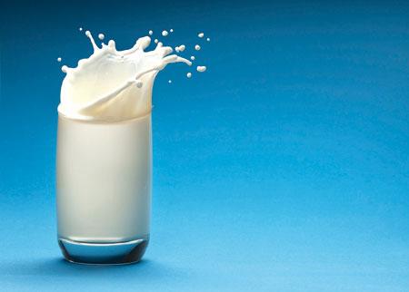 كيفية معرفة الحليب الفاسد
