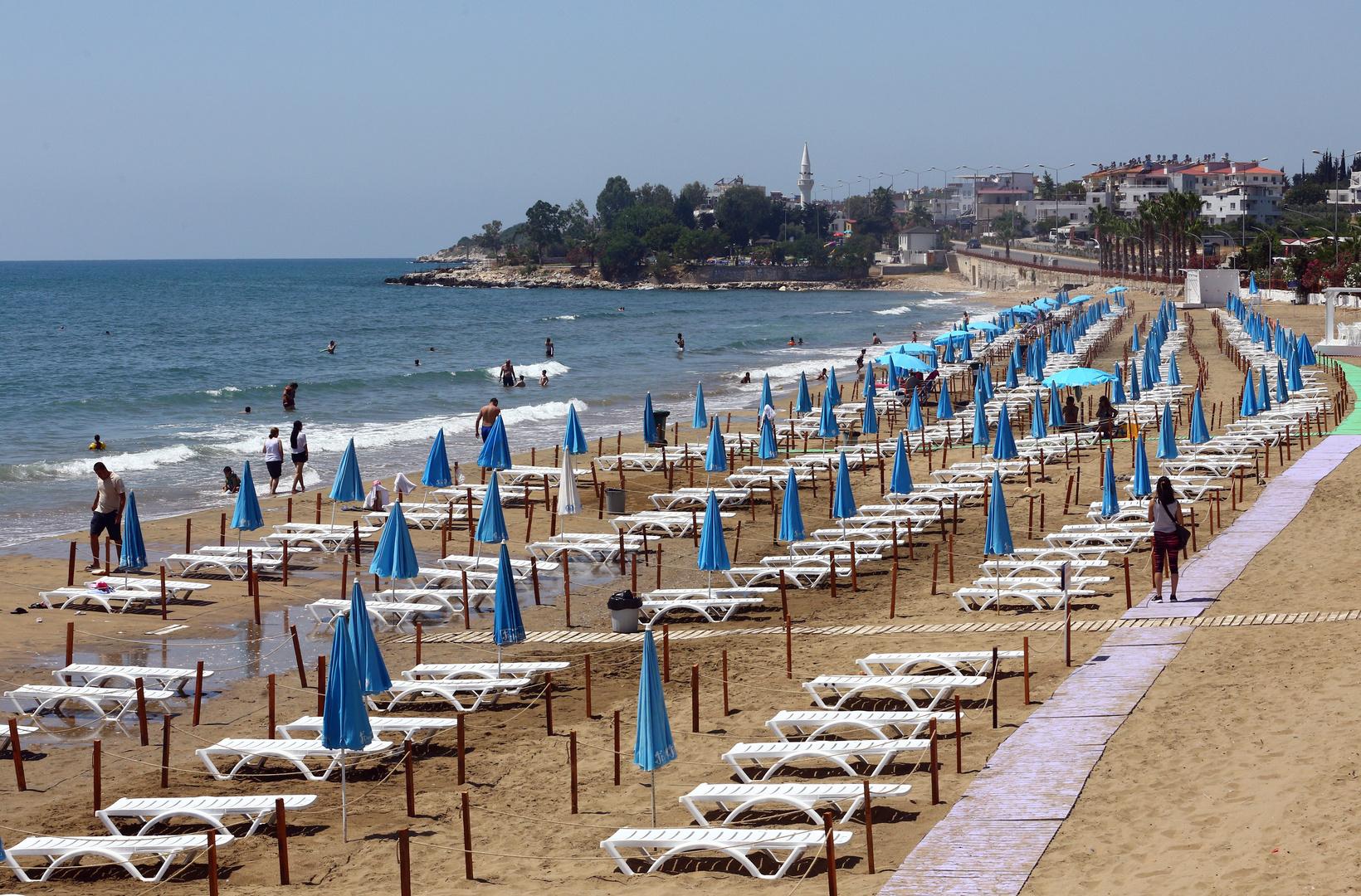 إيرادات السياحة التركية تهوي
