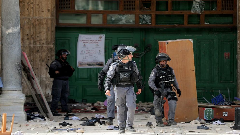 المستوطنون يغيرون مسيرتهم الاستفزازية بعيداً عن باب العامود في المسجد الأقصى