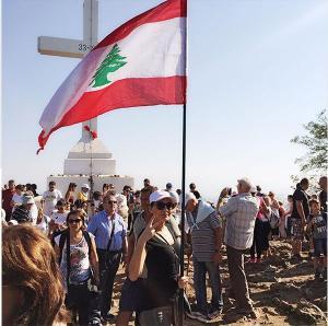 سيرين عبدالنور تشارك في مظاهرات «طلعت ريحكتم»