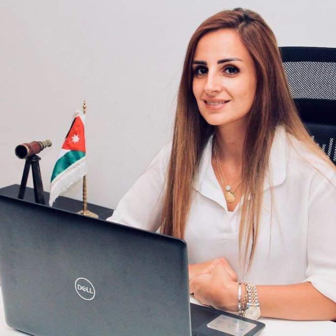 نضال العضايلة يهنئ راما العساف بحصولها على لقب مستشارة اقتصادية