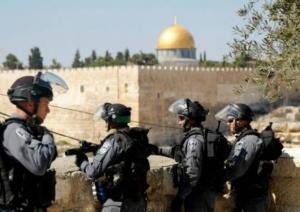 الاحتلال يقتحم 'الأقصى' ويعتقل فتاة من باحاته
