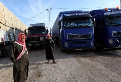 """3 آلاف شاحنة تحتاجها البضائع لنقلها من """"الحرة"""""""