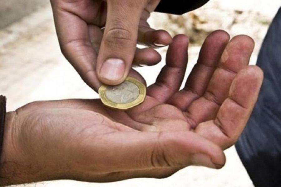 الافتاء الأردنية توضح حكم استرجاع المال من المتسولين الكاذبين