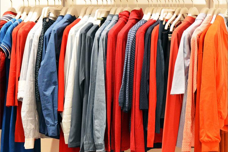 نقيب الألبسة: الإقرارات الضريبية ورخص المهن تؤرق التجار
