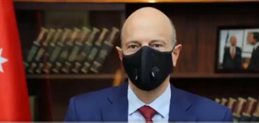 """بالفيديو  ..  شاهدوا أول ظهور لرئيس الوزراء """"عمر الرزاز"""" بعد مغادرته الحكومة"""