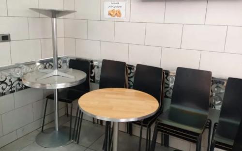 مطاعم إربد تواجه قرار إغلاق الصالات بتسريح موظفين ومنح إجازات لآخرين