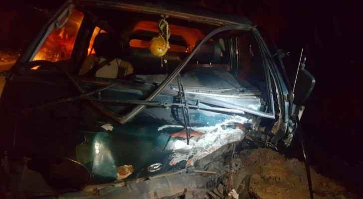 اصابة ٣ أشخاص بتدهور مركبة في عجلون