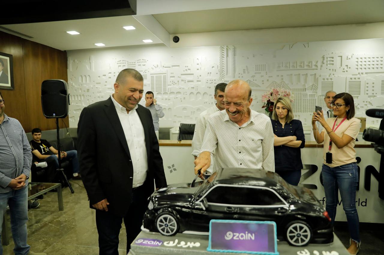 """زين تحتفل برابح السيارة الثانية ضمن حملتها """"بين العيدين 10 سيارات من زين"""""""