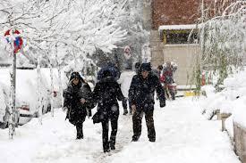 تساقط غزير للثلوج في طهران