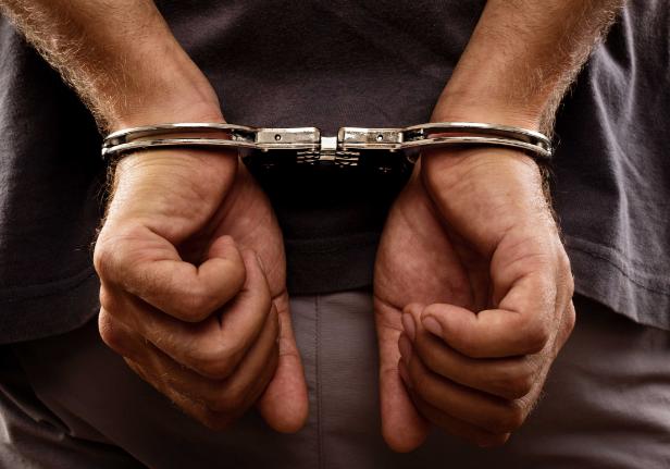 ارزيقات: القبض على شخص صادر بحقه 35 مذكرة قضائية ببيت لحم