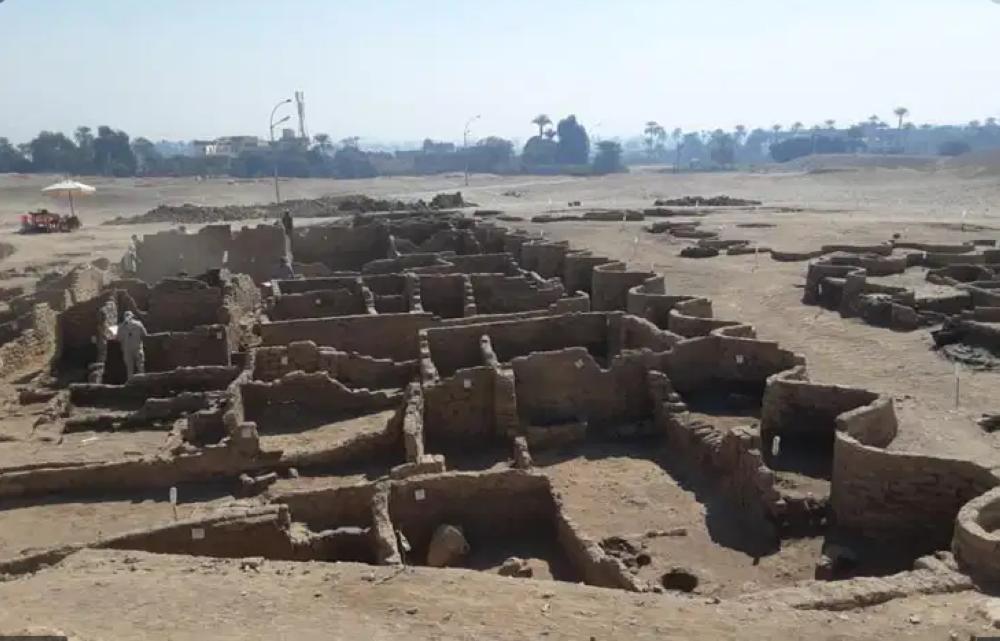 مصر تعلن اكتشاف مدينة فرعونية مفقودة تحت الرمل في الأقصر