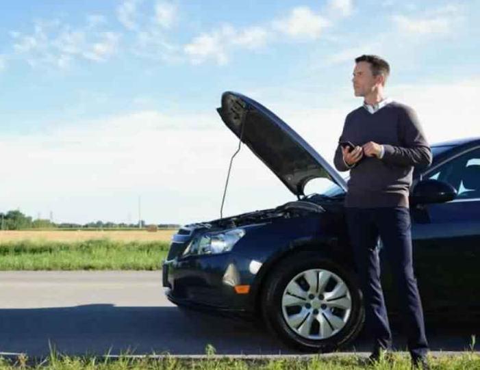 بطارية سيارتك ضعيفة ..  إليك أسهل طريقة لتشغيل السيارة في هذه الحالة
