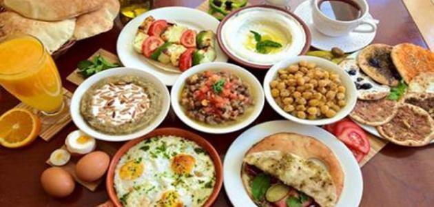 ما هي الفوائد التي توفرها وجبة السحور في رمضان؟