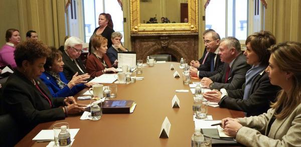 الملك يلتقي اللجنة الفرعية لمخصصات الخارجية في النواب الامريكي