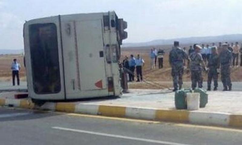 اصابة 24 معتمرا اردنيا بحادث سير على طريق معان- المدورة