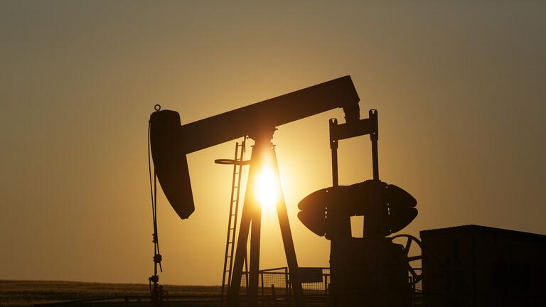 """""""أوبك+"""" تتوصل إلى """"اتفاق تاريخي"""" حول خفض إنتاج النفط"""
