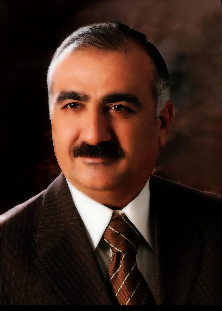 الدكتور حسين الطراونة قيادي ناجح واداري متميز