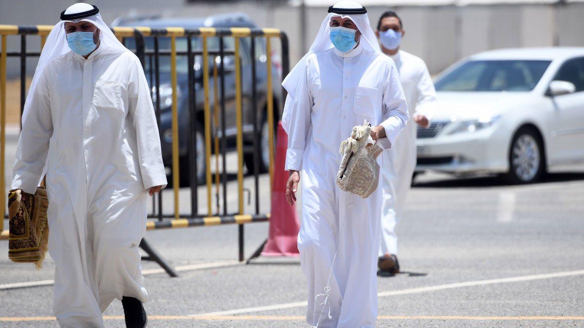"""إصابات """"كورونا"""" في الكويت تتخطى 35 ألفا"""