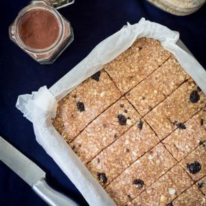 حلى زبدة الفول السوداني بالعسل والشوفان