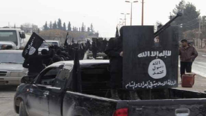 داعش تبيع نفط  بمليون دولار يومياً .. ونظام الأسد يشتري منها