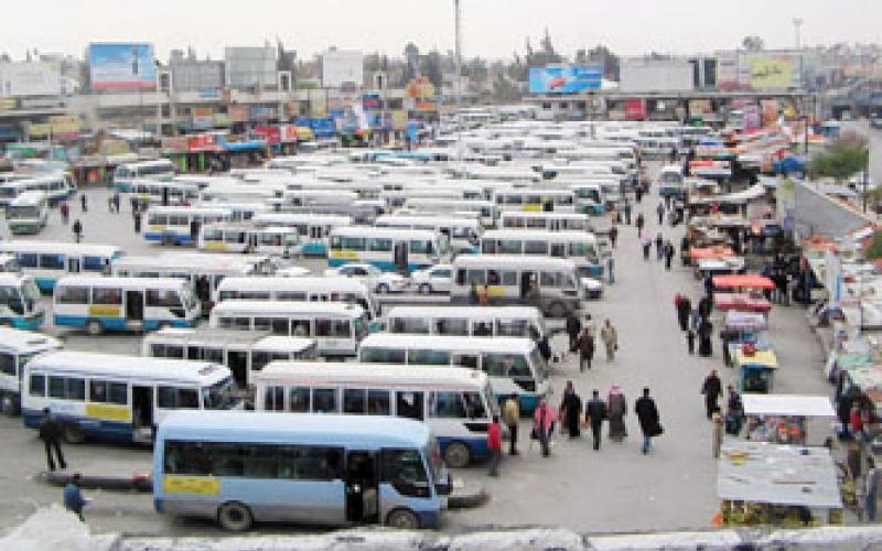 الخشمان: مشغلو النقل العام ينتظرون رفع سعة استخدام المقاعد