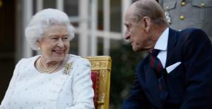 """ما تأثير كورونا على علاقة الملكة إليزابيث """"94 عاماً"""" مع زوجها """"فيليب """"99 عاماً""""  ..  خبيرة بشؤون العائلة الملكية تُجيب؟"""