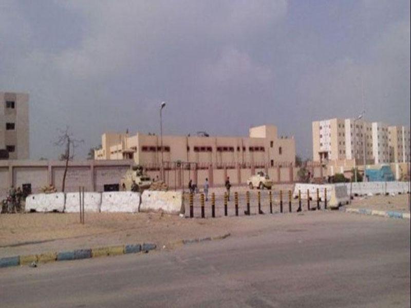 مصر ..  حبس 14 ضابطاً وشرطياً تورطوا في تهريب مساجين