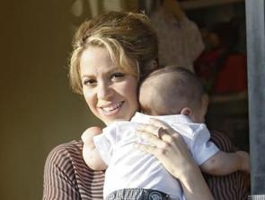 صور المغنية شاكيرا مع ميل ابنها - الذي يبلغ من العمر تسعة شهور فقط - للرقص 2014 image.php?token=052844c5477a781ba54404e4789dcd08&size=