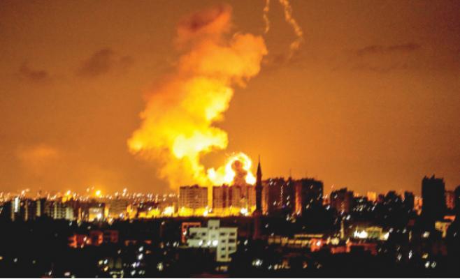 محللون إسرائيليون: الجيش قد يفاجئ حماس ويحتل غزة