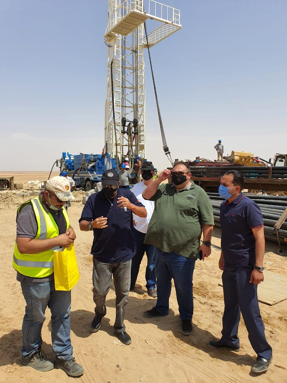 وزير المياه و الري يشرف على حفر ابار المبادرات الملكية بحضور خبراء اقليمين