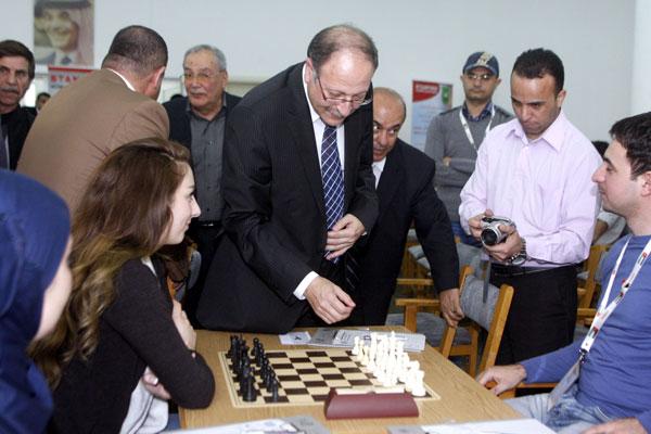 """""""البيادق"""" الآسيوية تتنافس على """"رقعة"""" النادي الملكي"""