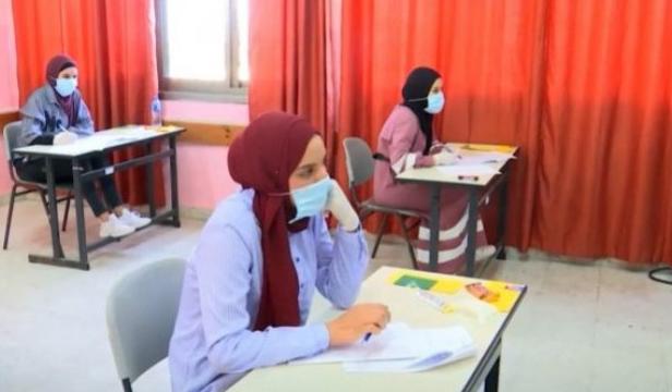 """هل وافقت وزارة التربية على حذف """"وحدات"""" من المواد العلمية لطلبة التوجيهي  ..  أبو قديس يُجيب؟"""