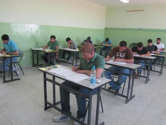 عودة امتحان الفصل الواحد للتوجيهي عام 2015