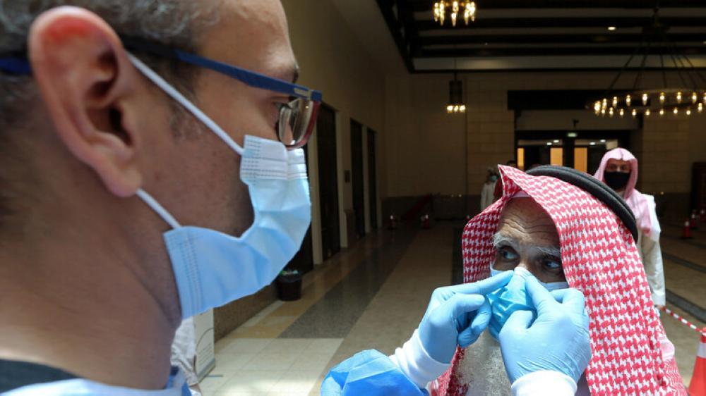 السعودية تسجل 44 وفاة و 2331 إصابة جديدة بكورونا