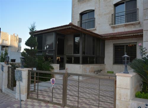 شقة أرضية طابقية 391 م في دير غبار للبيع من المالك مباشرة
