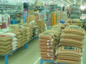 نقيب المواد الغذائية: الحكومة تعهدت بعدم رفع الضرائب على المواد والسلع الاساسية