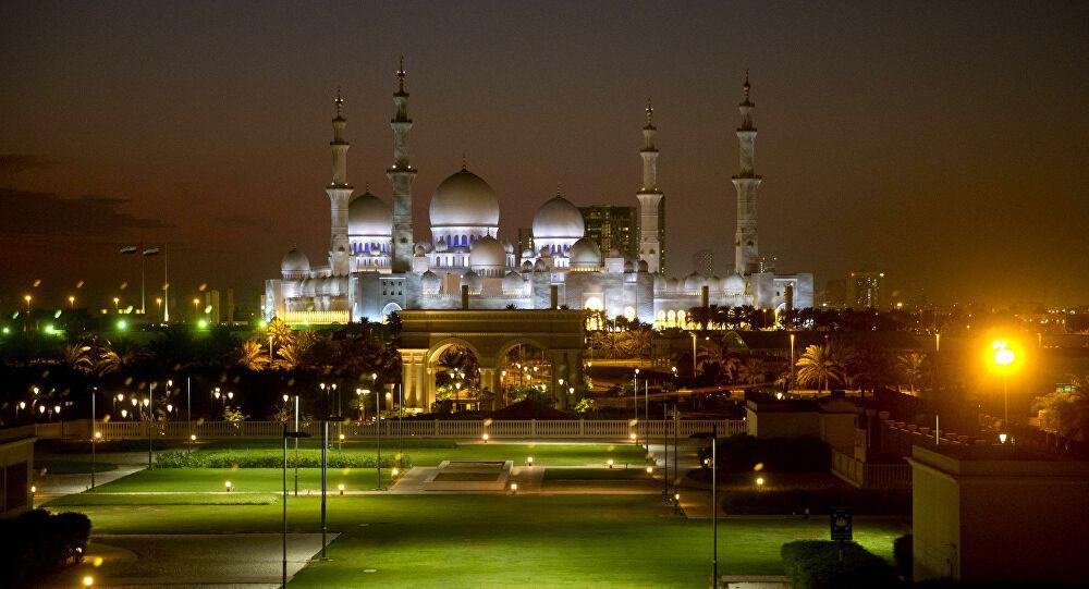 الإمارات تعلن موعد فتح المساجد لأداء صلاة الجمعة