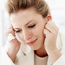 لماذا تبكي النساء أكثر من الرجال !؟!