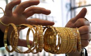 """سعر غرام الذهب """"21"""" ينخفض إلى 26.3 دينار"""