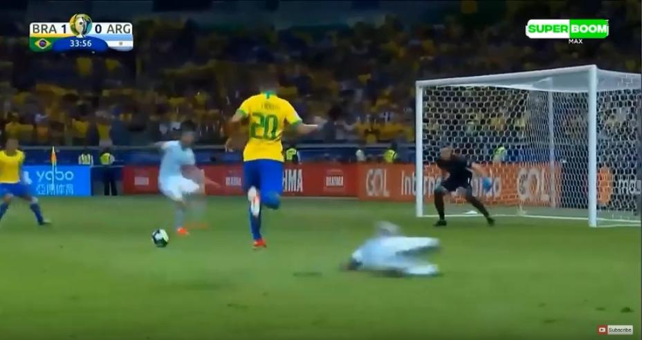 بالفيديو  ..  شاهد كيف فازت البرازيل على الأرجنتين بنصف نهائي الكوبا